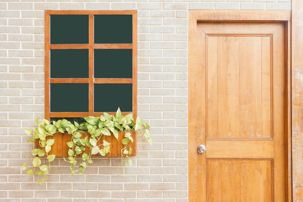 How to clean wood doors?