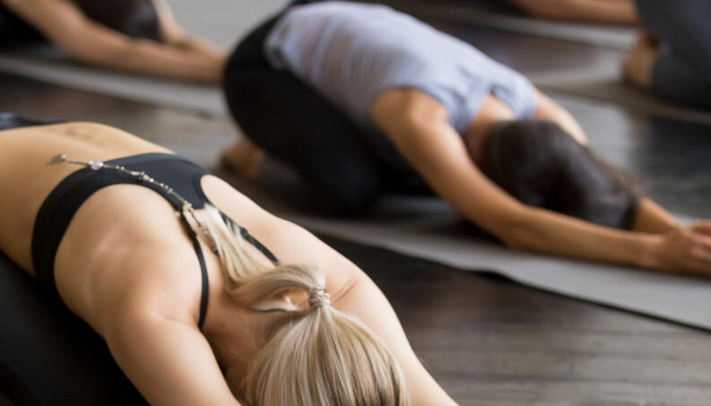 ejercicios de estiramientos para dolor de espada 2