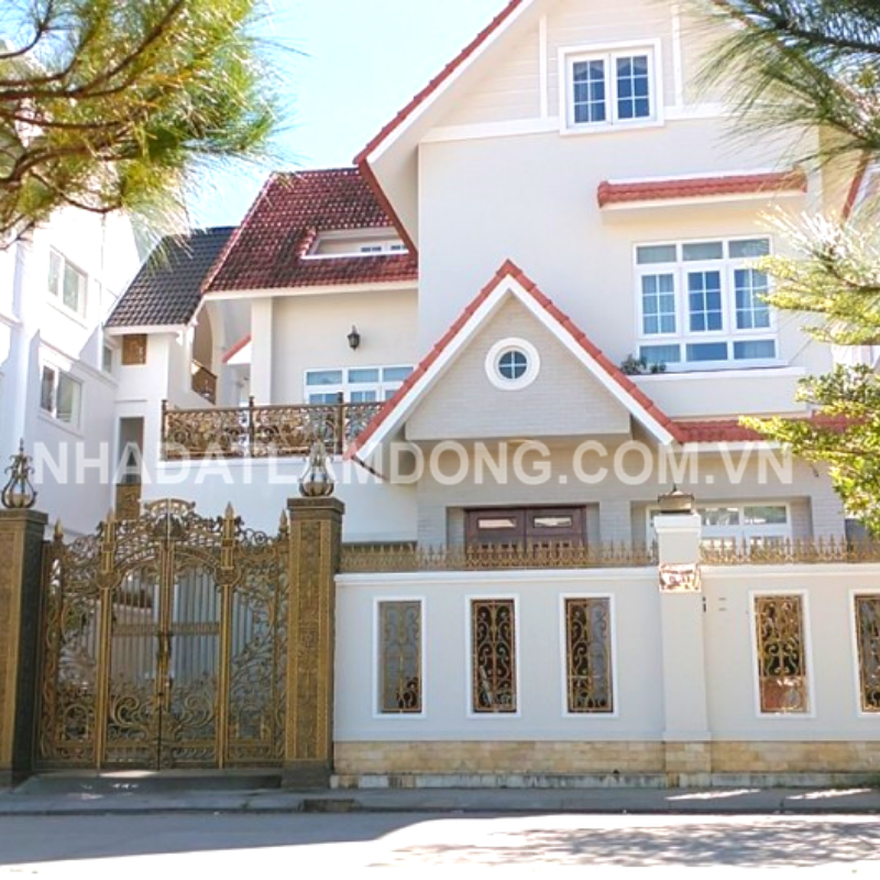 Biệt thự gần Hồ Xuân Hương
