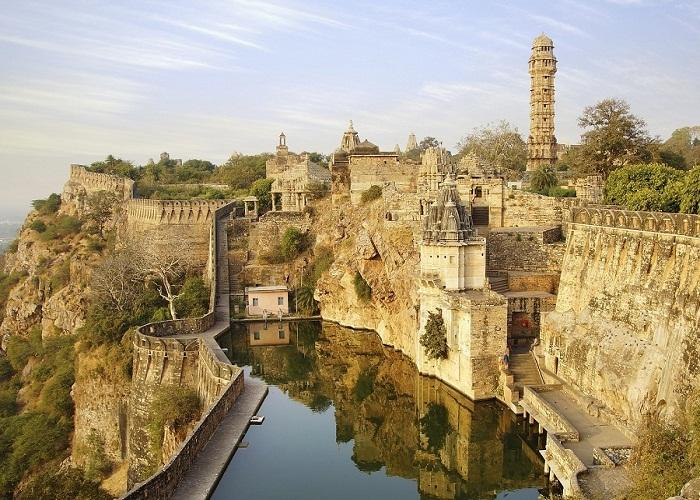 Hill forts of rajasthan chittor fort.jpg