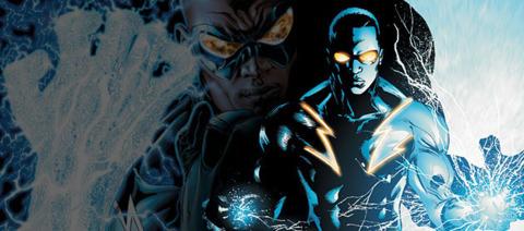 black+lightning+(showing+of+his+powers).jpg