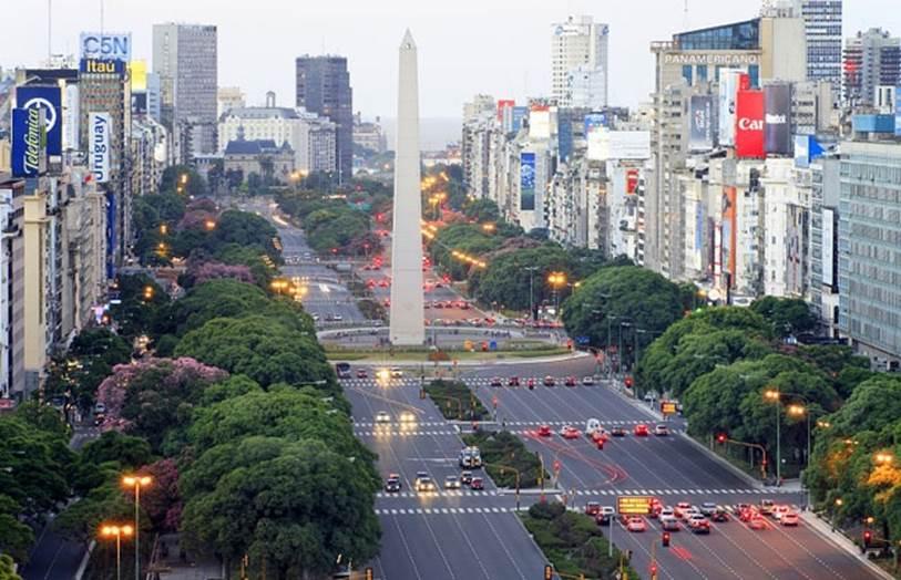 Descrição: http://www.eldiariodebuenosaires.com/files/2013/02/microcentro.jpg