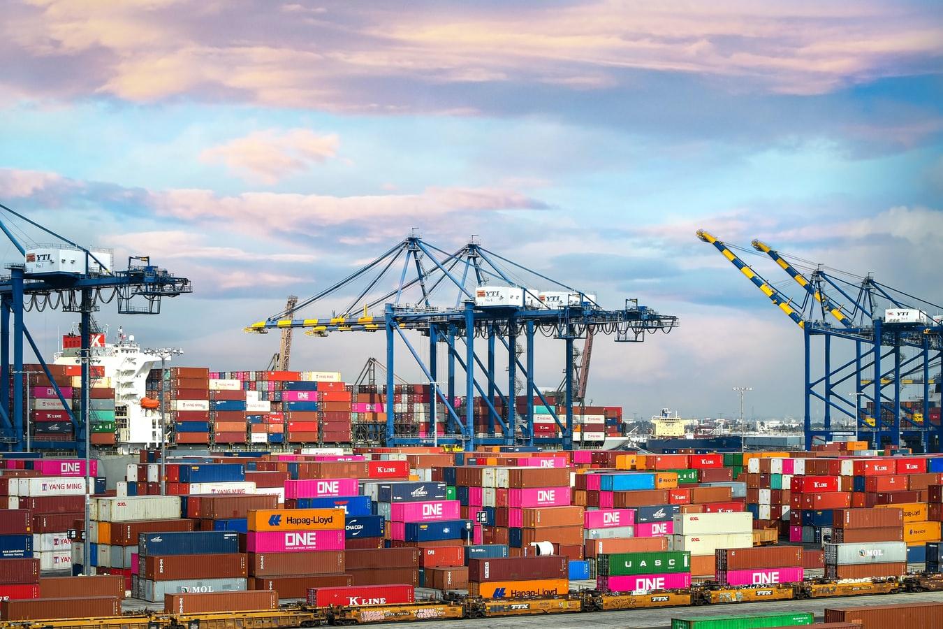 Ưu điểm của cách thức ship hàng từ Mỹ về Việt Nam qua các công ty vận chuyển
