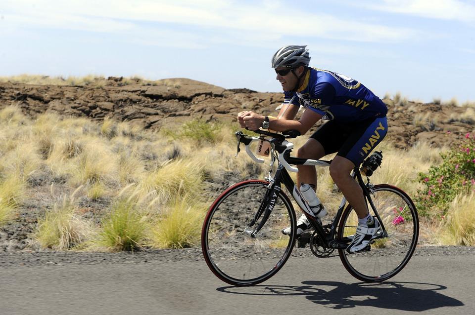 cycling-800834_960_720.jpg