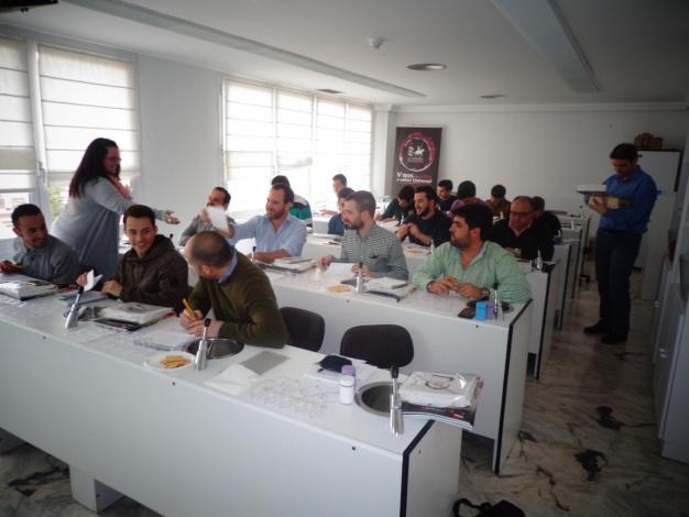 C:\Users\ISRAEL\Desktop\MIS DOCUMENTOS\FOTOGRAFIAS Y VÍDEOS\CATA DO LA MANCHA\DSC02208.JPG