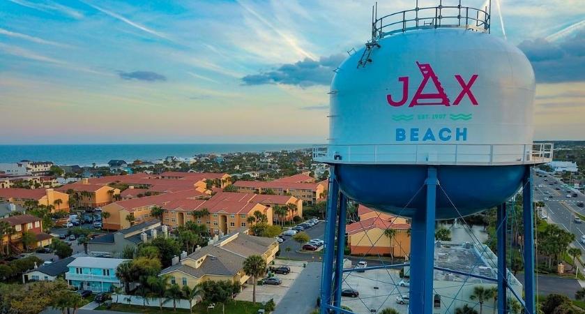 Jacksonville Beach water tower and neighborhoods