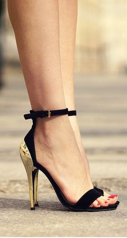 heel toed sandals.jpg