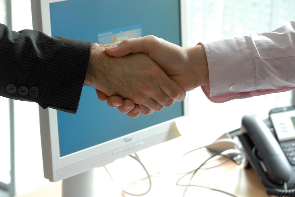 handshake-440959_960_720.jpg