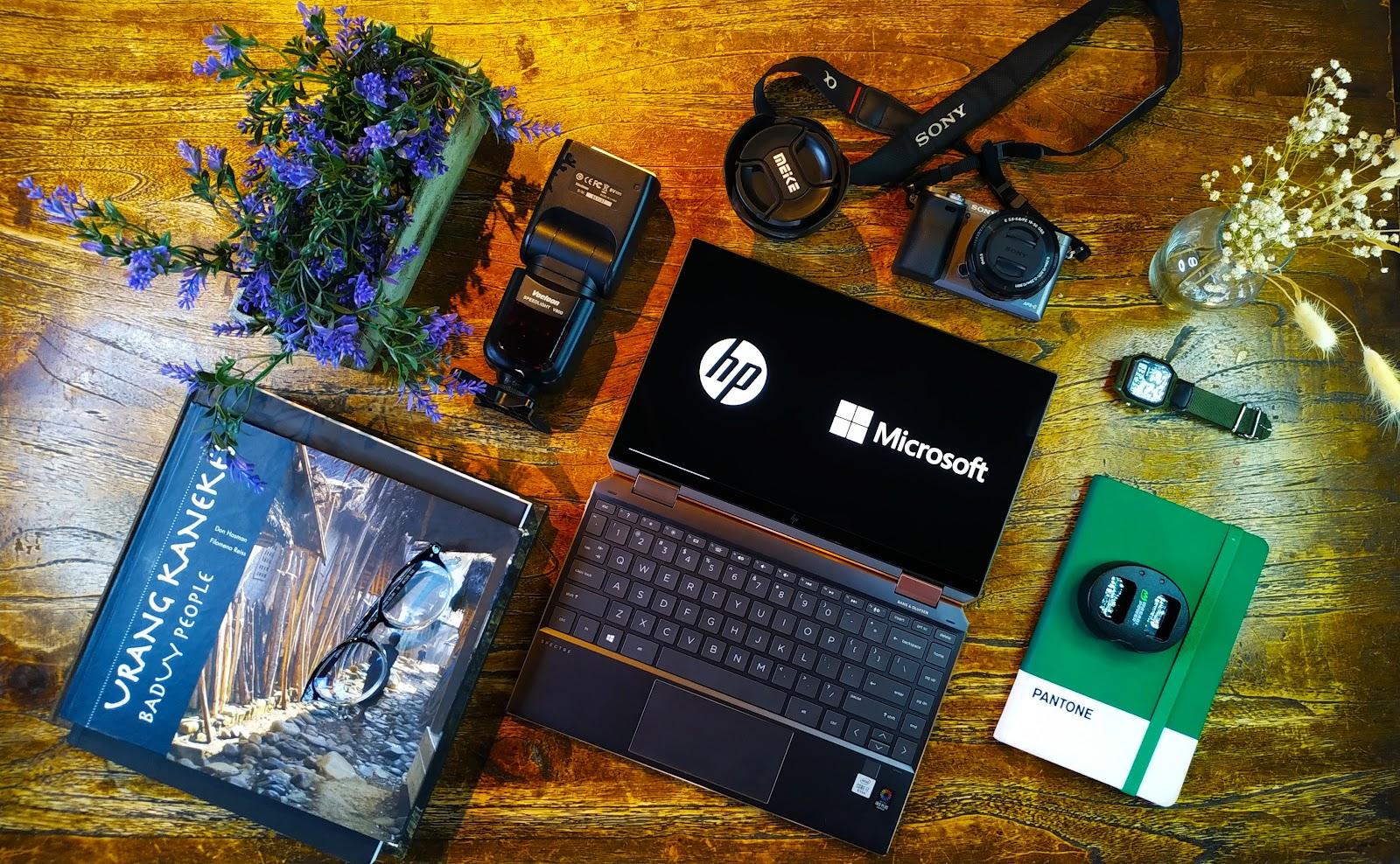 Foto Flatlay HP Spectre x360