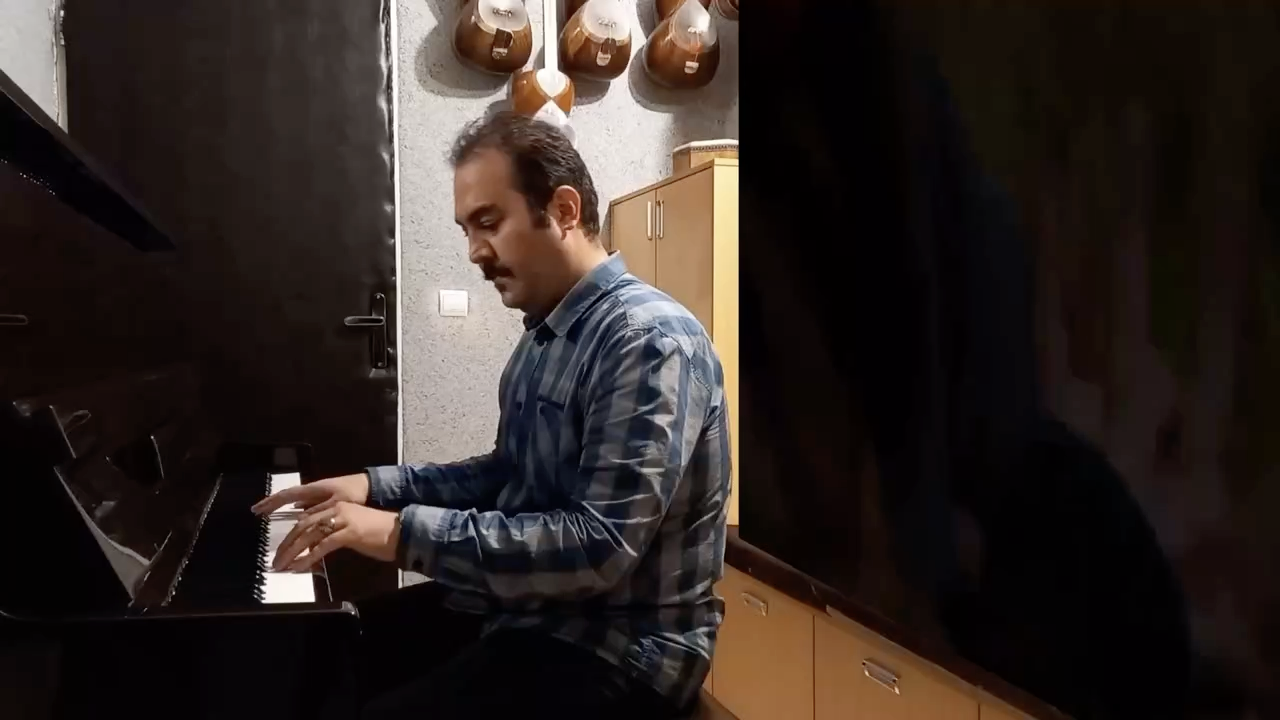 عشق مظلوم احسان نیک آهنگساز و پیانو