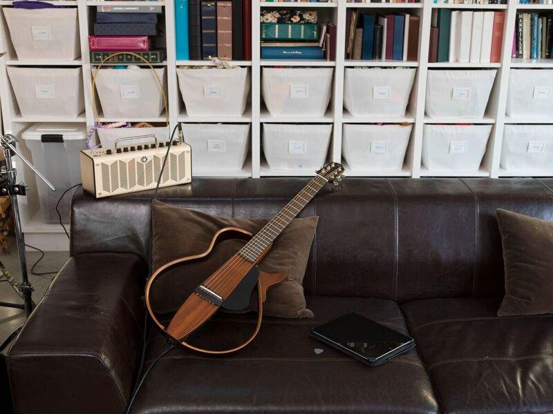 mua đàn guitar ở nha trang