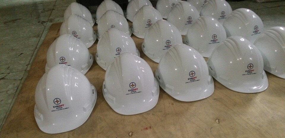 Hãy đến với baoholongchau.com để mua được những chiếc nón bảo hộ chính hãng và đạt chuẩn chất lượng