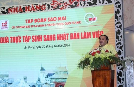 1. Ông Lê Thanh Thuấn - Tổng Giám đốc Tập đoàn Sao Mai cam kết sẽ tạo điều kiện tốt nhất cho người lao động khi làm việc nước ngoài.