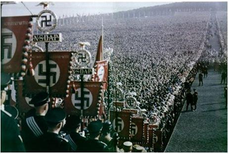 Cuộc biểu dương lực lượng của Đức Quốc xã ở Nuremberg năm 1936.