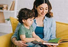 Obraz znaleziony dla: czytanie ksiazek z mama