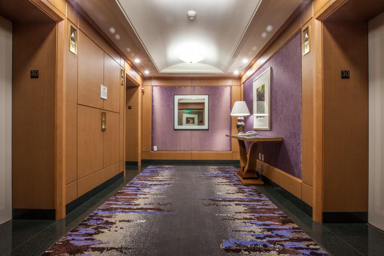 Ý tưởng trang trí hành lang bằng thảm trải sàn