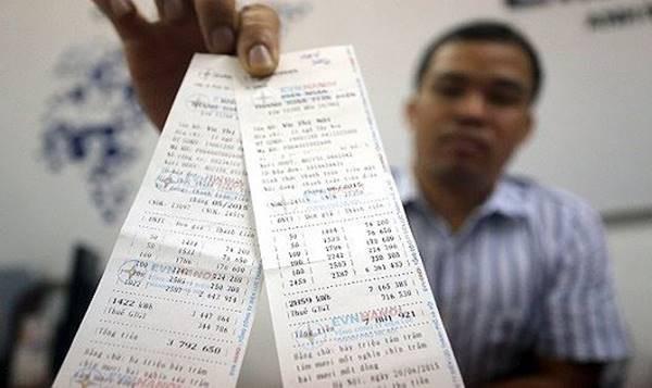 Người dân Hà Nội kêu trời vì hoá đơn tiền điện tháng vừa qua tăng gấp đôi: Công ty điện lực lý giải nguyên nhân - Ảnh 6.
