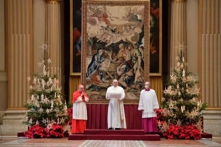 Pope Francis gives his Christmas 'Urbi et Orbi' blessing Dec. 25, 2020. Credit: Vatican Media.
