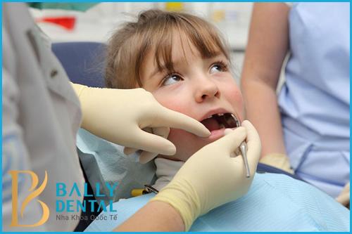 Viêm tuỷ răng có cần đặt thuốc diệt tuỷ? - Có an toàn hiệu quả không? 1