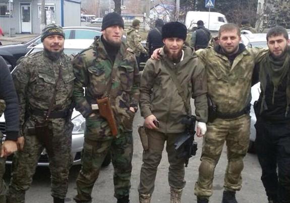 Ніяких чеченців на Донбасі немає, запевняв Кадиров і депутат Держдуми від Чечні. Але вже скоро їхня риторика зміниться