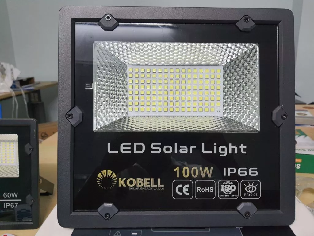 Đèn NLMT 100W chính hãng LED Solar Light