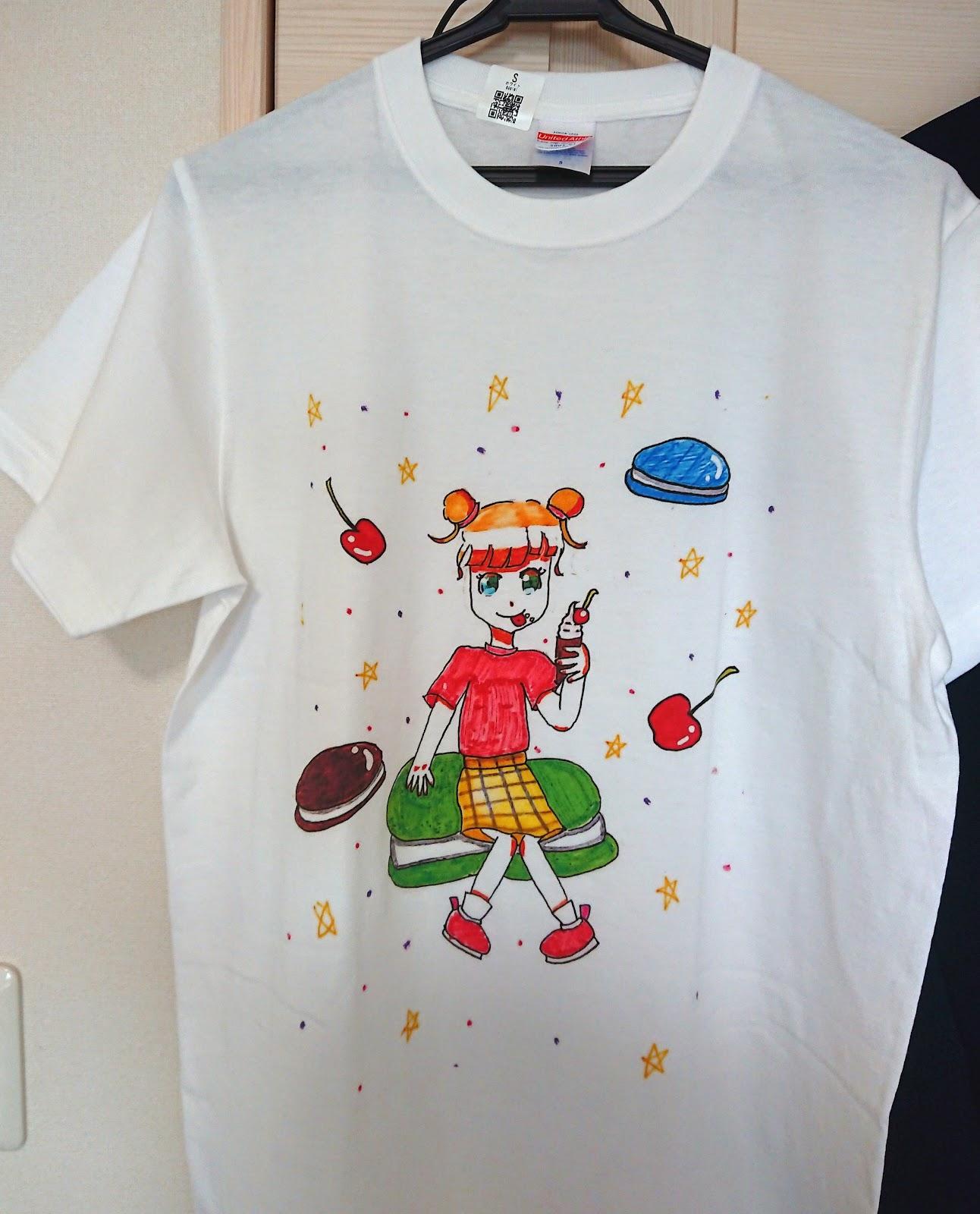 娘の初作品の「マカロンちゃんTシャツ」です!