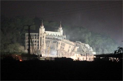 温州永嘉拆除违法宗教建筑 三江基督教堂违建8000平米被拆
