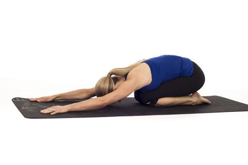 Động tác yoga chữa đau lưng chuẩn chuyên gia - Tư thế đứa trẻ