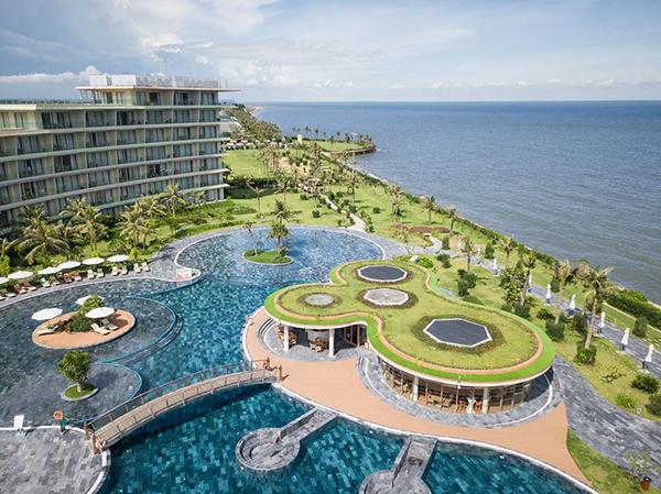 Bể bơi nước mặn lớn nhất Việt Nam - FLC Sầm Sơn 03