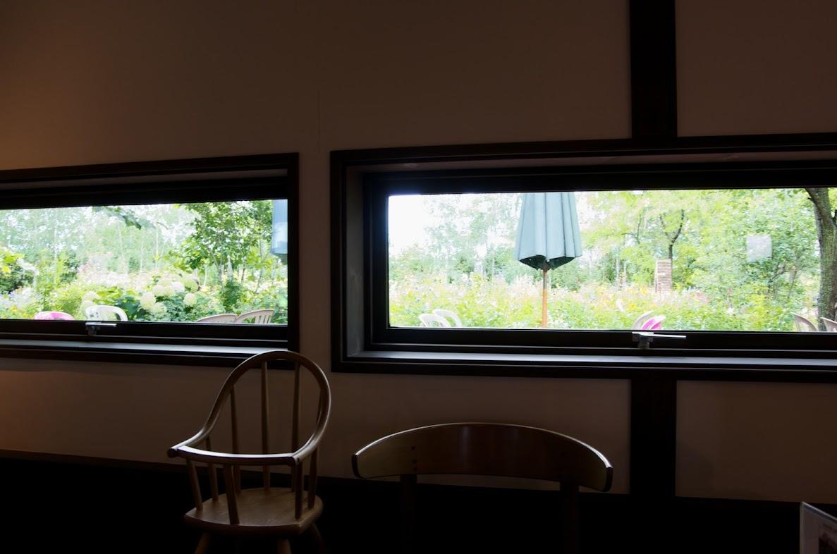 絵画のような窓