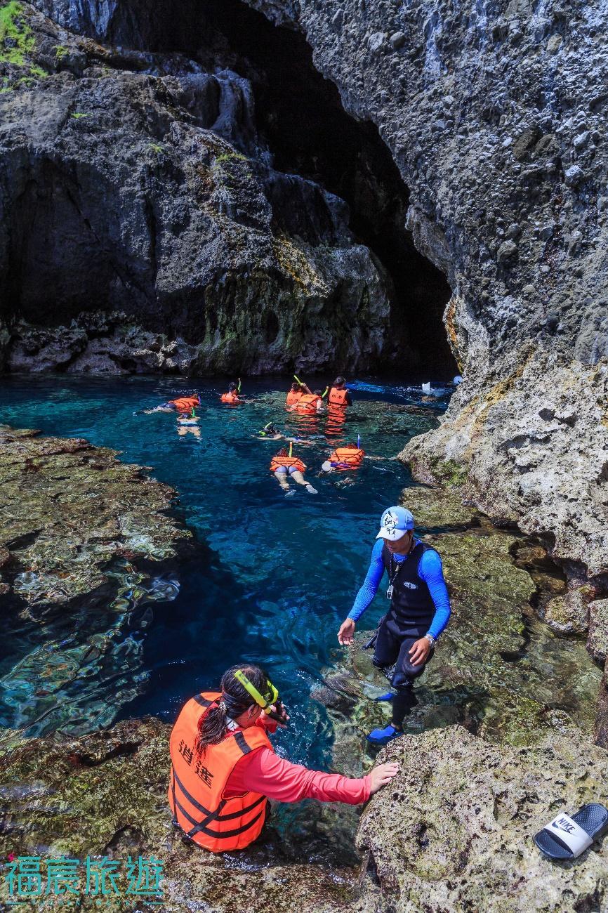 綠島藍洞潛水也是絕不能錯過的行程