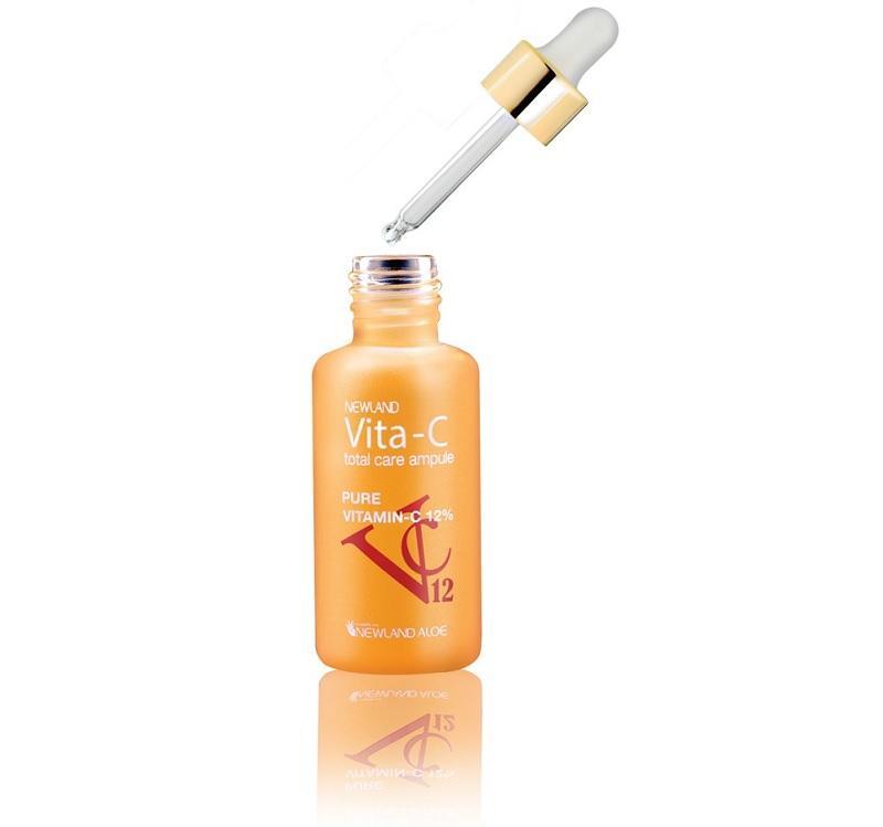 Vita-c thành item không thể thiếu trong tủ trang điểm của phụ nữ