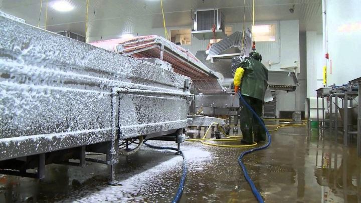 vệ sinh khu sản xuất, máy móc
