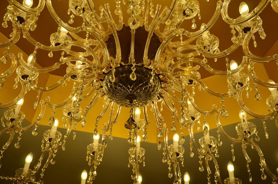 chandelier-1004574_960_720.jpg