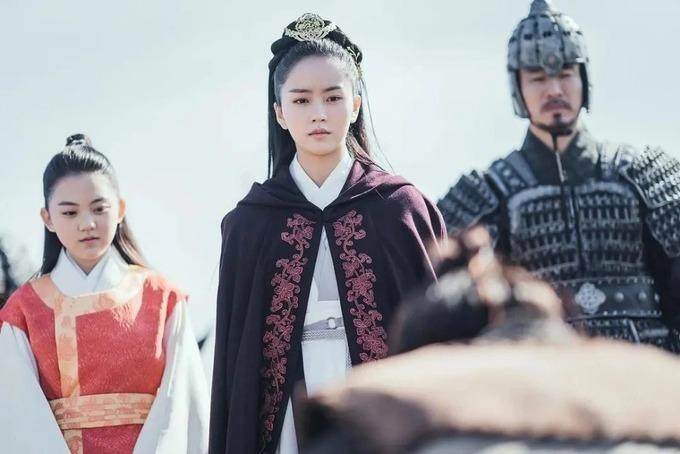 vẻ đẹp lạnh lùng của kim so hyun trong phim river where the moon rises