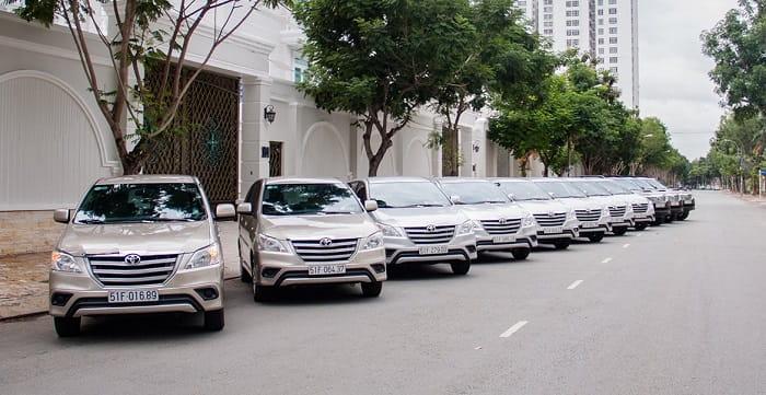 Hãy đến với thuexehuydat.com để chọn gói dịch vụ thuê xe 7 chỗ đi Tam Nông chất lượng và giá tốt nhất