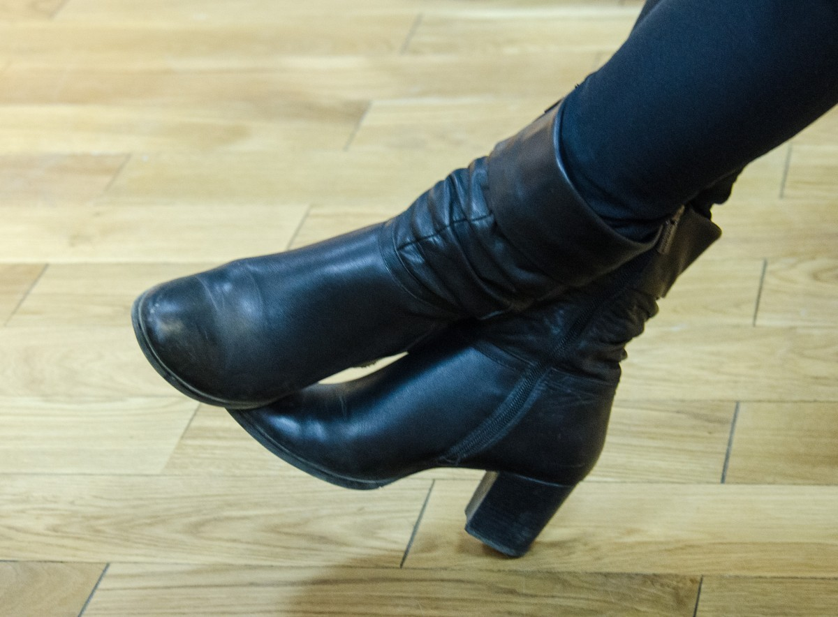 shoe winter leather boot leg blue arm human body shoes boots thigh footwear heels high heeled footwear outdoor shoe riding boot women's boots