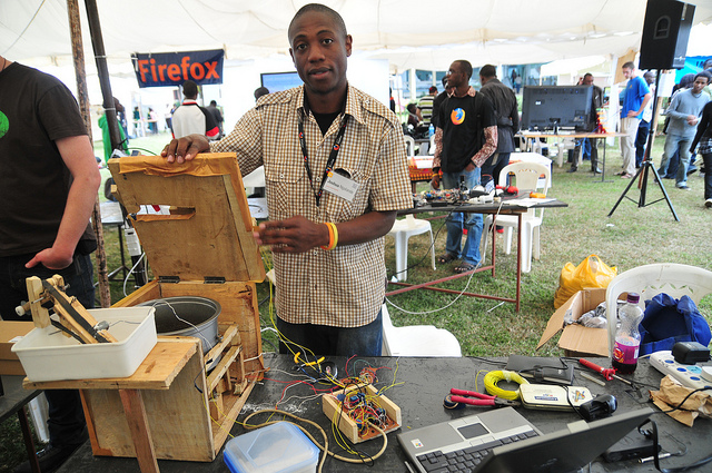 Maker Faire Africa 2010, Nairobi, Kenya. Credit: Maker Faire Africa Flickr.