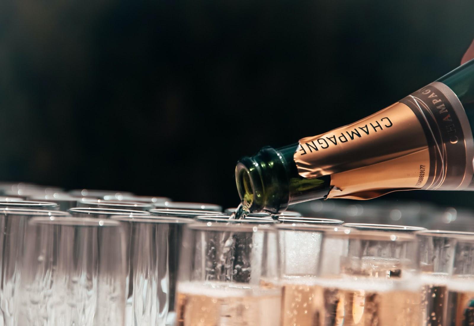 Wie lange ist Champagner haltbar?