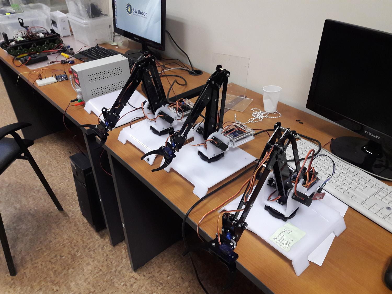 В Бердске приглашают детей записаться в кружок Робототехники
