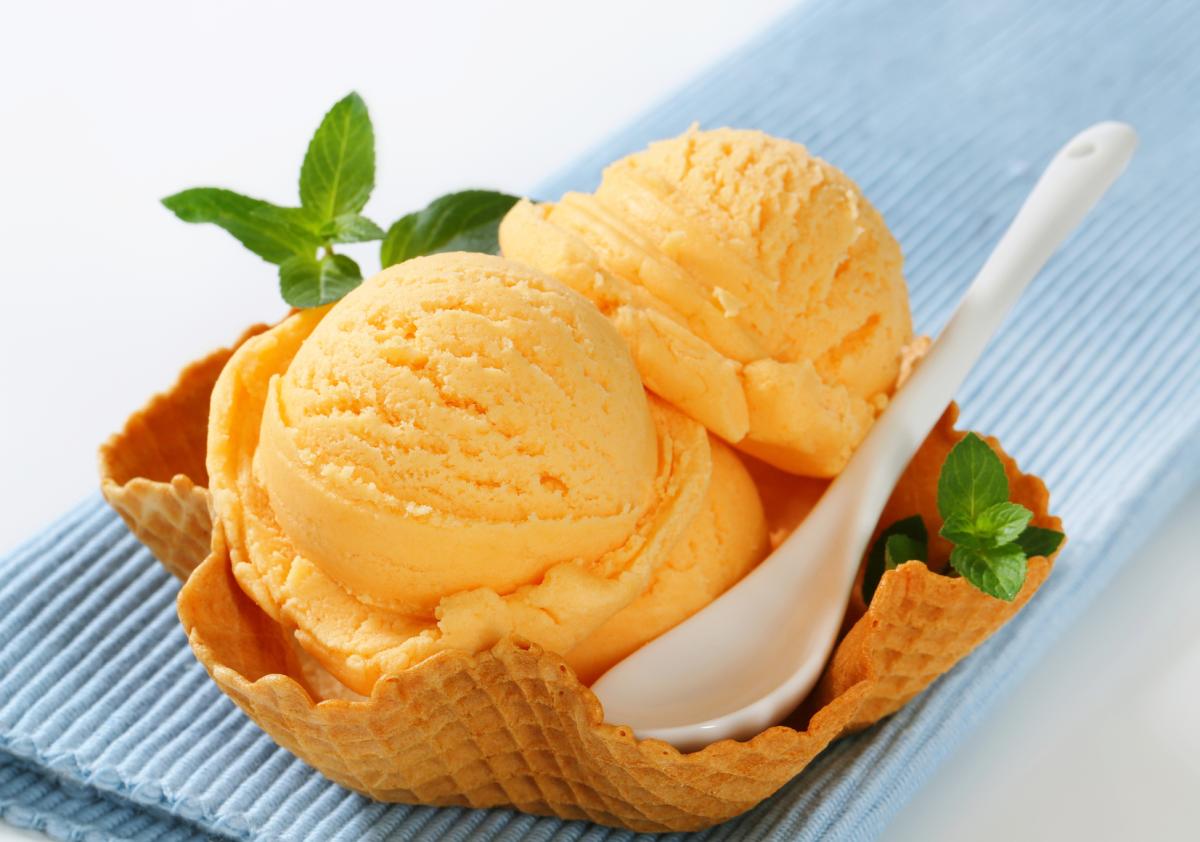 2. ไอศกรีมโฮมเมด รสส้ม