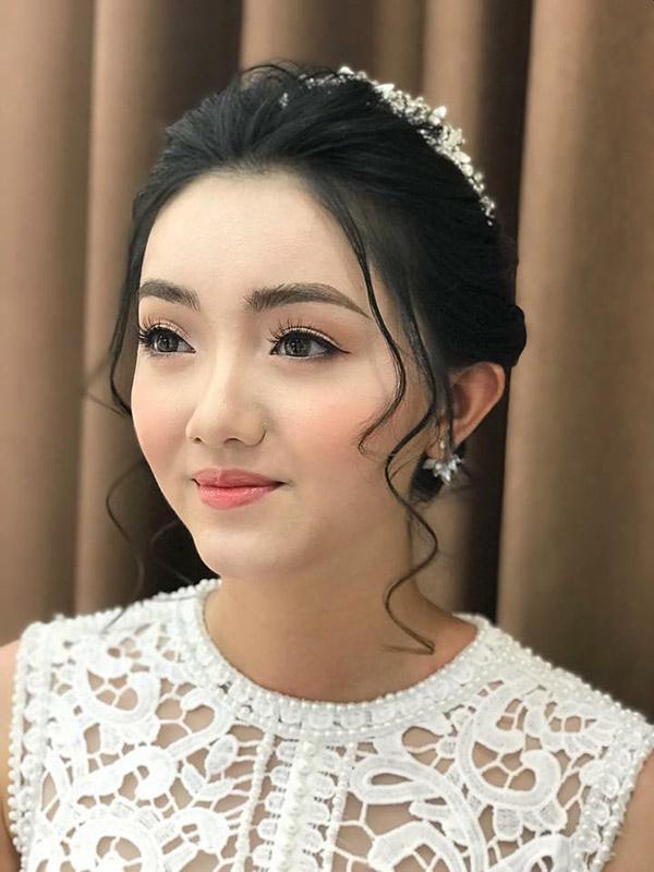 trang điểm cô dâu chụp ảnh cưới