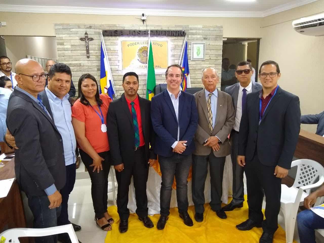 Novos conselheiros tutelares tomam posse em Ribeirão