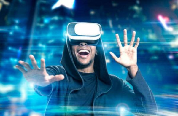 Virtual reality will make a comeback - Prediction for 2018