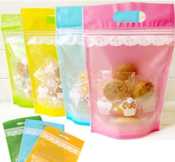 Bao bì nhựa đầy màu sắc