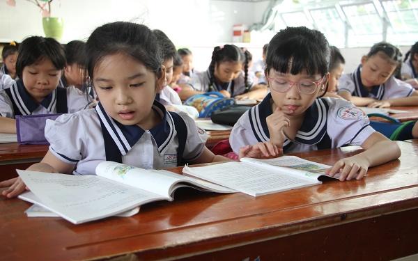 Tin giáo dục hôm nay 7/10: Hơn 100 học sinh đầu tiên của thành phố HCM được đến trường sau thời gian dài nghỉ dịch 1