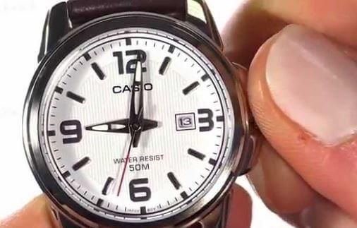 Dây da năng động, thiết kế nhỏ xinh của  đồng hồ casio standard mtp-1314l-8a