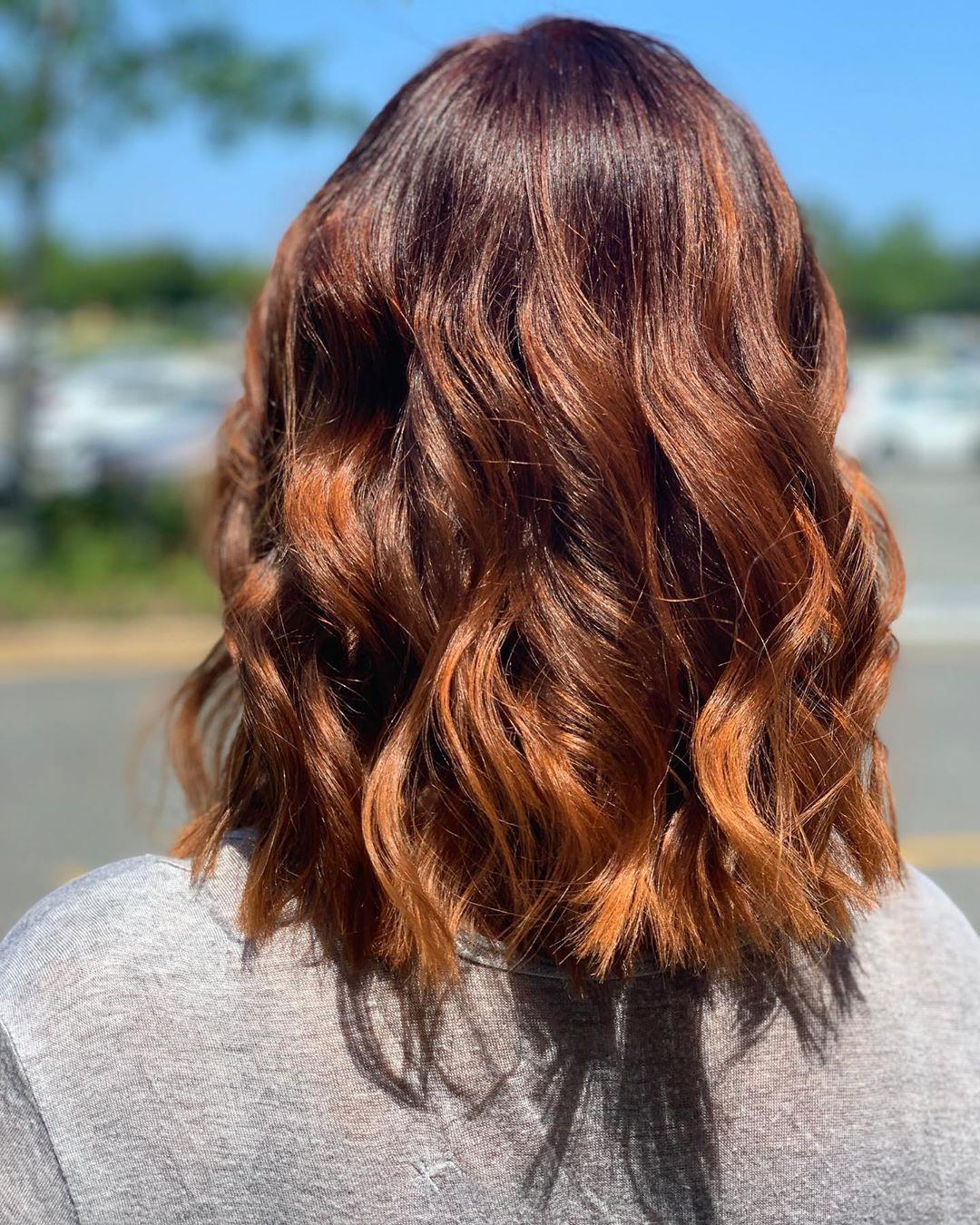 Tóc cúp dài mà kết hợp cùng màu tóc Spicy Ginger thì còn gì bằng nữa chứ?