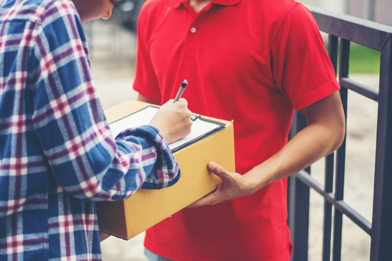 Usar o Melhor Rastreio para acompanhar o trajeto de suas encomendas até o cliente e mantê-lo informado traz credibilidade ao seu negócio. (Foto: FreePik)