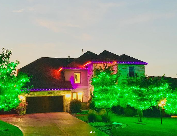 House lit up with lights for the holiday